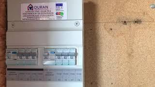 Stopcontacten naar beneden verplaatsen in een appartement  + nieuwe 3 fase groepenkast installeren