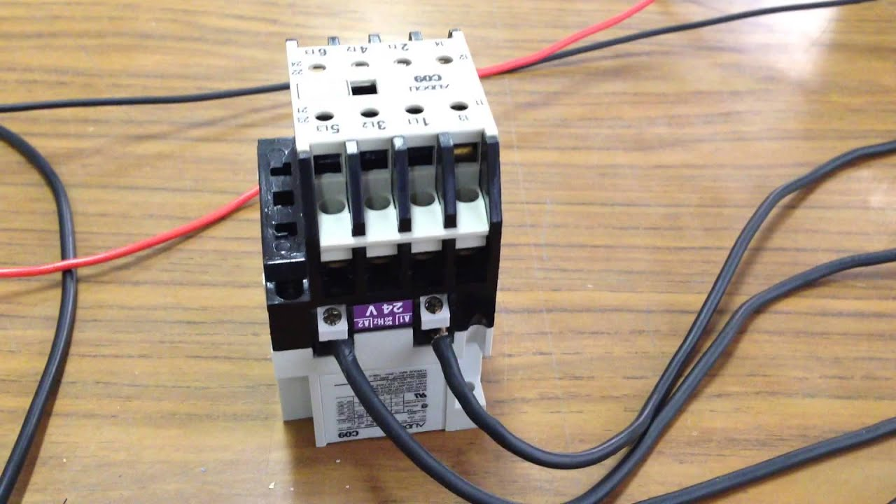 Controllo teleruttore con arduino 3 4 youtube for Teleruttore schema