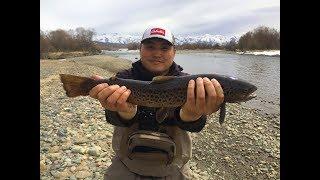 ТРОФЕЙ В НАЧАЛЕ СЕЗОНА 2019 г. Рыбалка на форель. Fishing on trout in Kyrgyzstan.