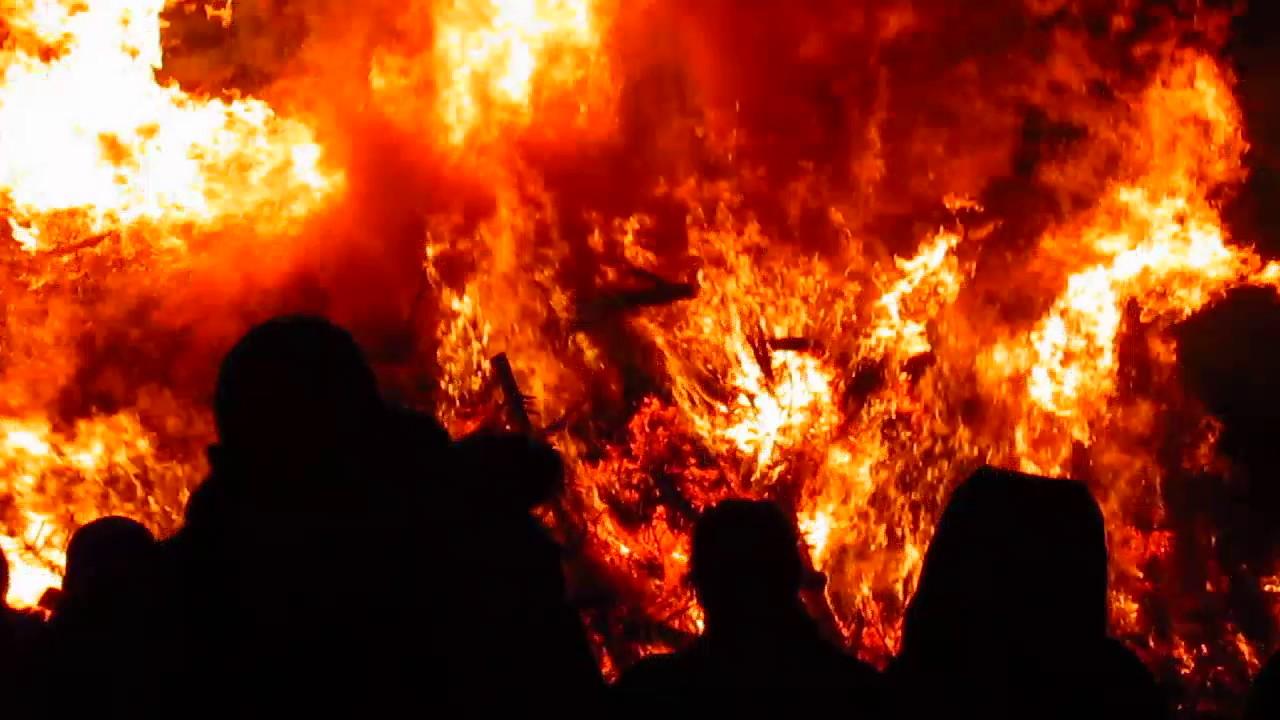 Solvang Christmas Tree Burn Youtube