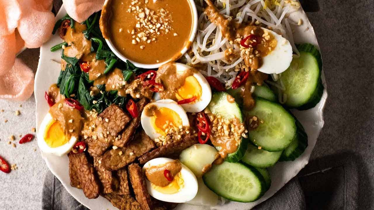 Gado Gado (Indonesian Salad with Peanut Sauce) - YouTube