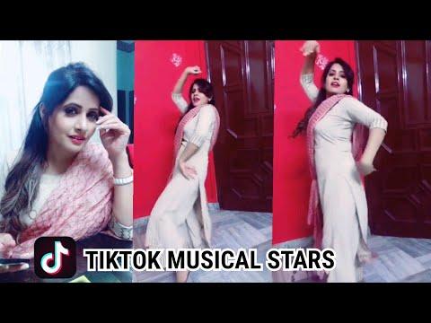Miss Pooja ।TikTok Musical Star। Punjabi Singer Dance ।