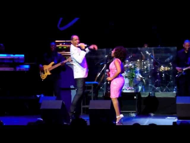 Stephanie Mills Brings Out Her Friend Mr. Freddie Jackson To Party With Her! #LegendsBonding