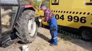 Wulkanizacja Mobilna TIR - Demontaż opony w ciągniku