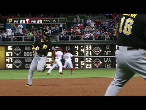 Andrew McCutchen hits a stand-up inside-the-park home run