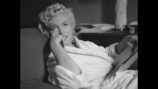 "RARE ! Marilyn Monroe - Reading Scripts Of  ""The Seven Year Itch"""