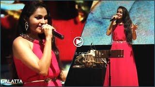 Andrea Gets all Retro   Sings Sivaji Ganesan Songs in Tamil & English   Sivaji 90 Musical Show