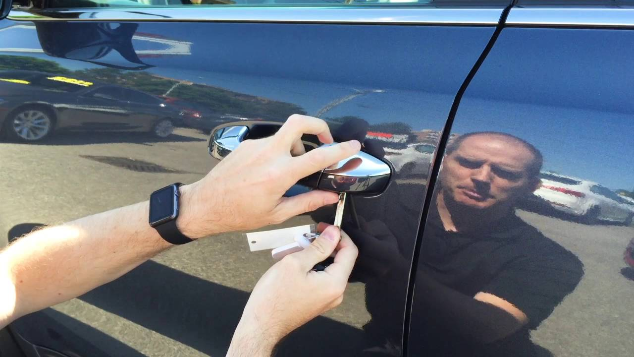 Kia Sorento 2017 >> How to use the key in the Kia Sportage driver's door. - YouTube