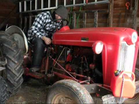 startup gros tracteur ford 641 1959 youtube. Black Bedroom Furniture Sets. Home Design Ideas