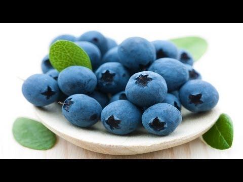 How To Make A Blueberry Smoothie (Smoothie Recipe)