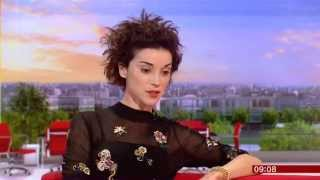 Repeat youtube video St Vincent BBC Breakfast 2015