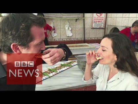 Turkey: Eating Etliekmekin Konya - BBC News