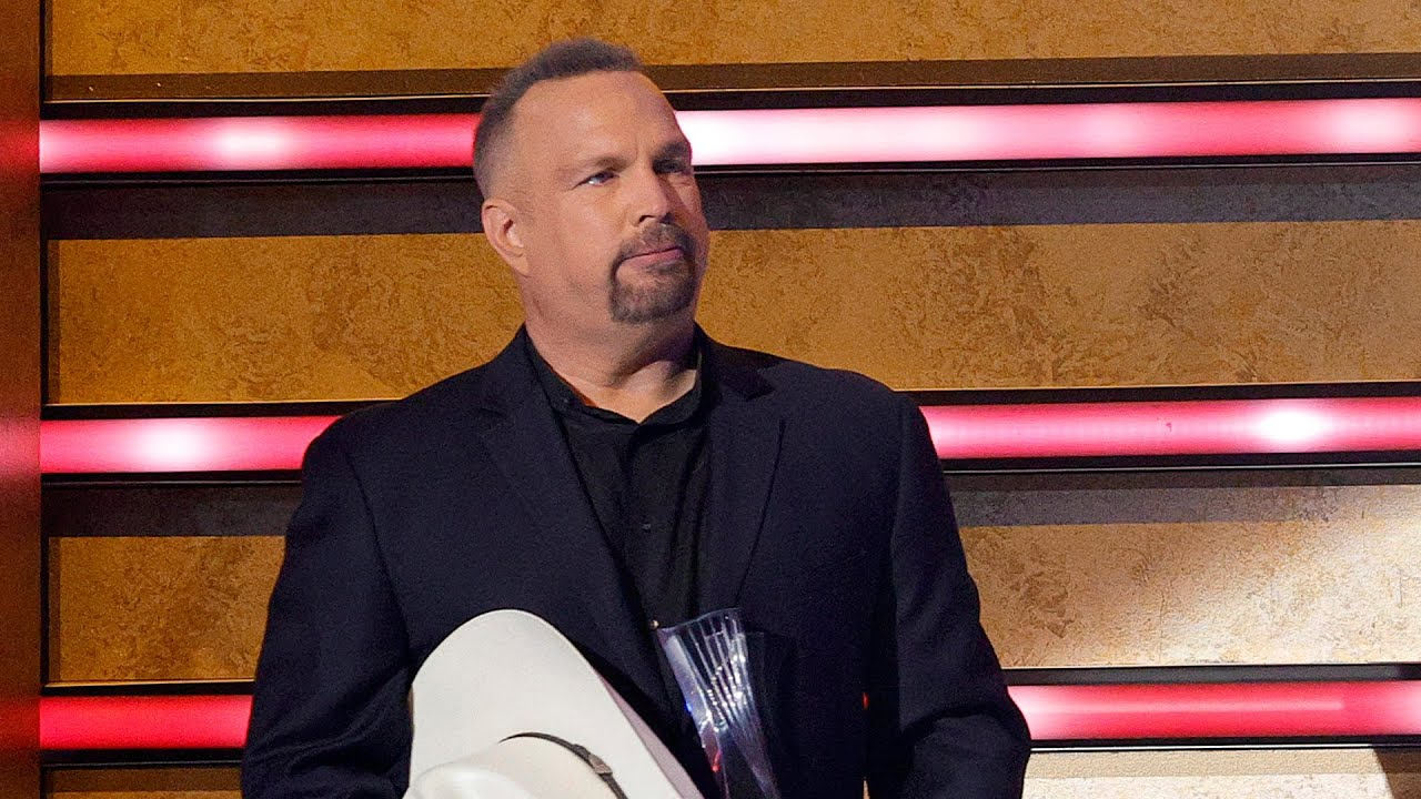 Garth Brooks Dishes the Truth About Randy Travis