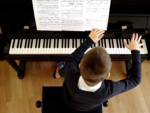 Musica Ricercata 5 de Ligeti par Pianhugow
