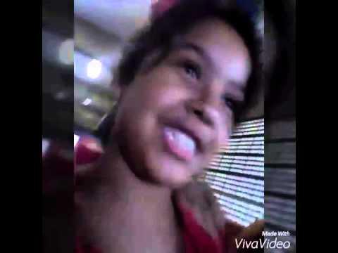 Vlog da saída da escola participação: Ana Beatriz
