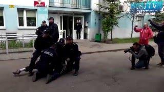 zaj bał policjantom gazem po oczach dres z wrocławia kręci akcję pod komendą