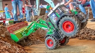 RC tractor AMAZING! R/C front loader Fendt with crazy details! Nice ACTION!