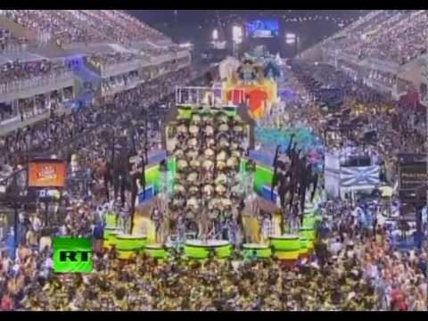 Brasil: miles de bailarines le ponen ritmo y sensualidad  al Carnaval de Río