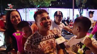 """Cổ động viên """"đi bão"""" ăn mừng sau chiến thắng của đội tuyển Việt Nam trước Malaysia"""