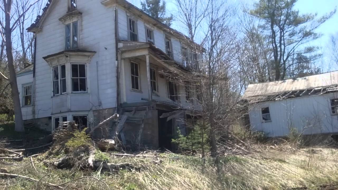 Checking out an old abandoned house in West Virginia - YouTube