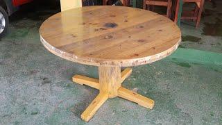 Mesa de carretel e coluna de tronco