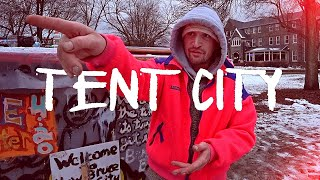 🇨🇦 Inside Toronto's Larġest Homeless TENT CITY! Trinity Bellwoods Park
