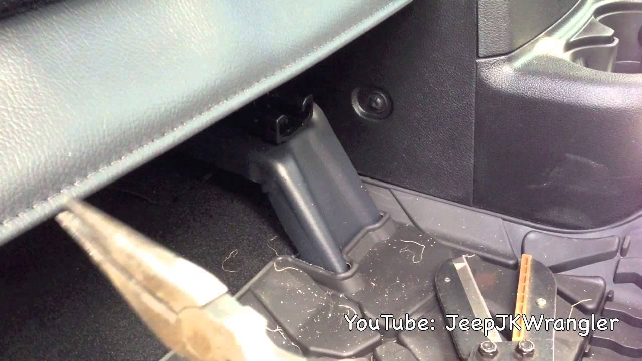 Trek Armor Front Seat Cover Install On A Jeep Wrangler JK