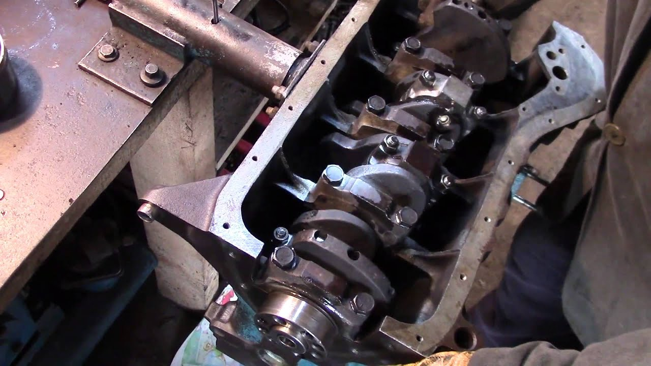 Первый запуск двигателя ваз 2106 с новым карбом - YouTube