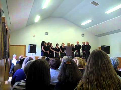 Coisir Sgir a'Bhac sing Eilean Sgalpaigh Na Hearadh, at Poolewe 2011.MP4