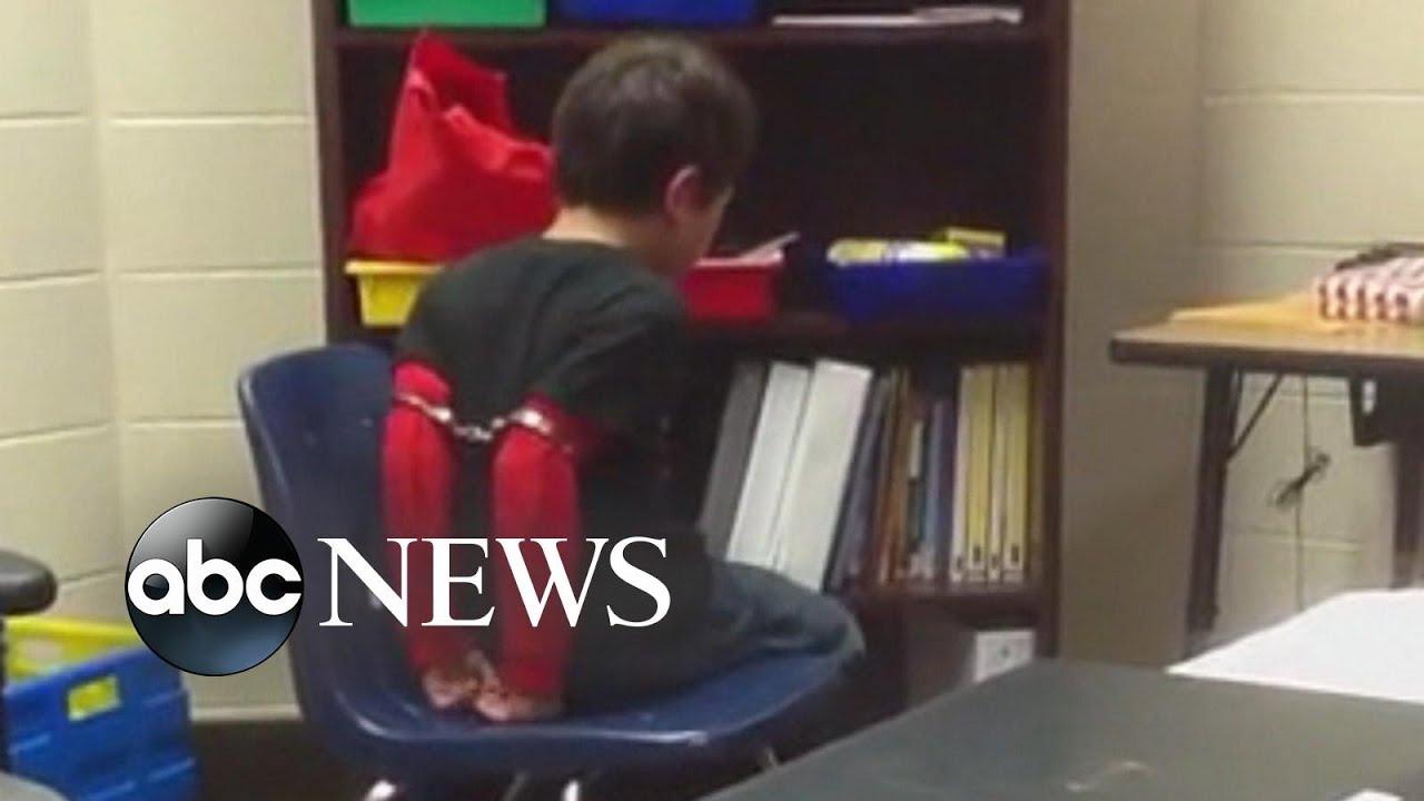 Disturbing Video Kentucky Cop Handcuffs >> Kentucky Sherriff Used Handcuffs On Misbehaving 3rd Grader Youtube
