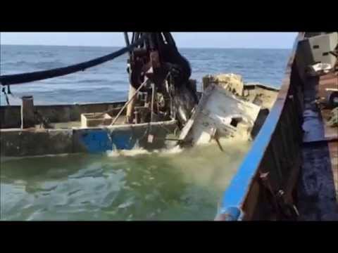 Renflouement & destruction du Chalutier Raph-Maelle  / Salvage of fishing vessel Raph-Maelle