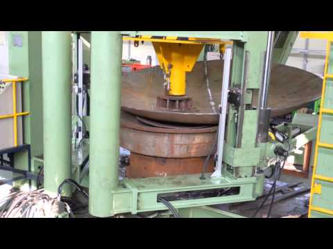 Hydraulic press with Manipulator