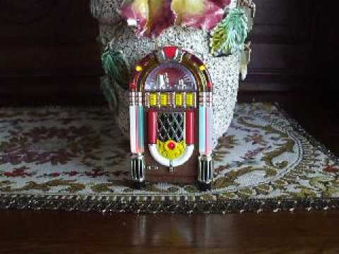 Ornamusic Jukebox Musical Christmas Tree Ornament