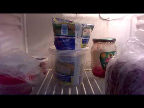 Как избавиться от тухлого запаха в холодильнике