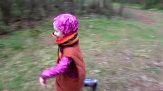 В какие игры играют дети.  Путешествия в Смоленском лесу.