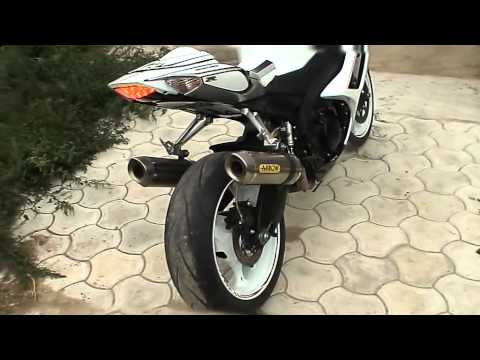 very beautiful painting white suzuki gsxr 1000 k8 youtube. Black Bedroom Furniture Sets. Home Design Ideas
