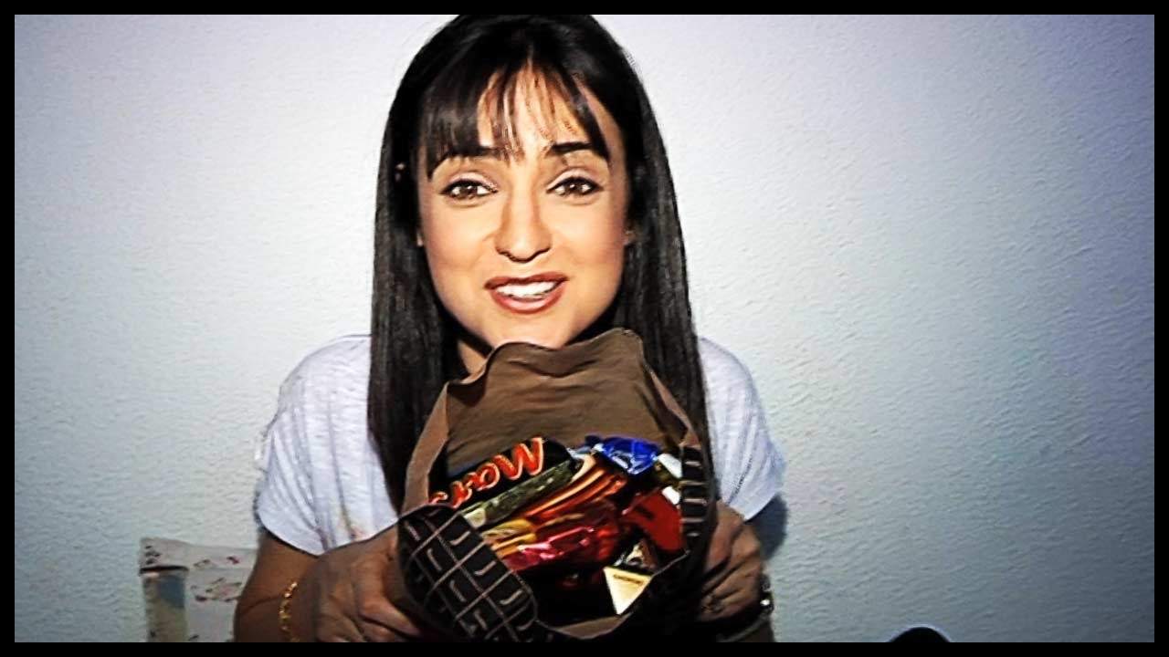 Sanaya Irani  Receives Birthday Gifts From Her Fans