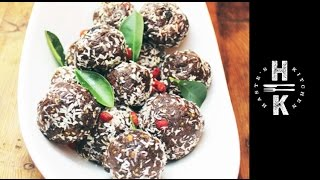 Easy Chocolate Protein Balls & Healthy Chocolate Snacks