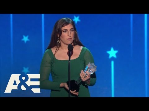 Mayim Bialik Wins Best Supporting Actress in a Comedy Series | 2016 Critics' Choice Awards | A&E