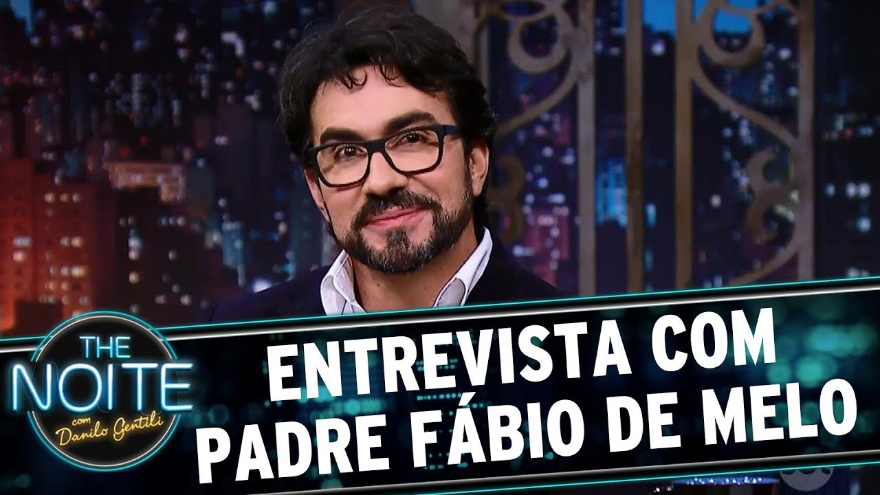 Resultado de imagem para Entrevista com Padre Fábio de Melo | The Noite (26/07/17)