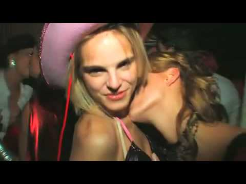 Hot lesbians kissing youtube