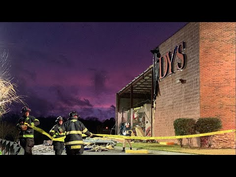 Goody's Bremen wall collapses in severe weather