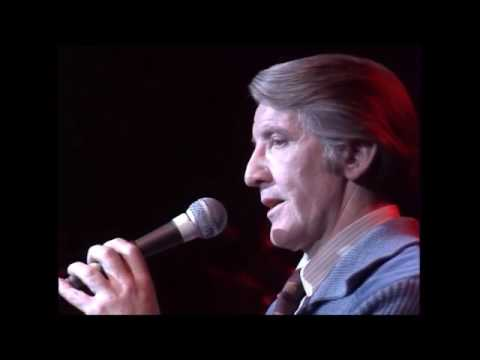 Dennis Skinner - 1986.... Singing at The Royal Albert Hall.