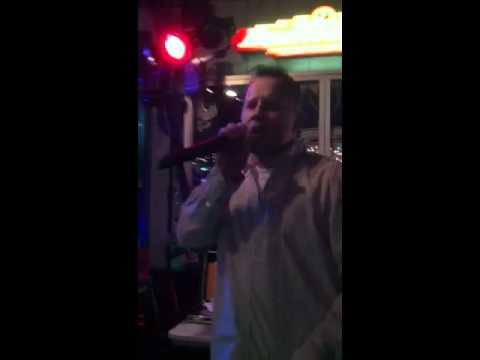 """""""Hitman"""" karaoke"""