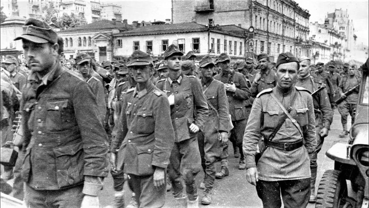 Проконвоирование военнопленных немцев через Москву 1944 / March of German prisoners of war in Moscow - YouTube