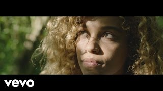 Izzy Bizu - Becoming Izzy Bizu (Vevo UK LIFT)