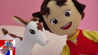 Peluche Heidi avec une chèvre   Provient de la série et du film   Français   Démo