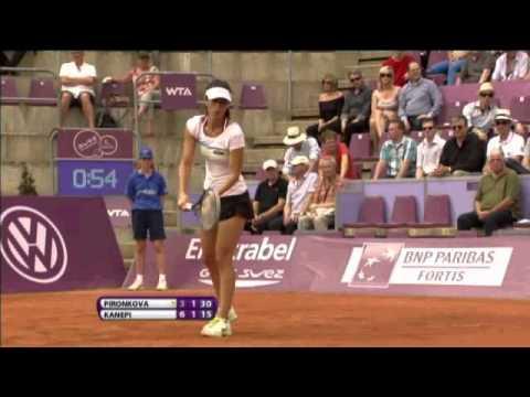 WTA Brussels 2012: Kanepi vs. Pironkova - Game Highlights