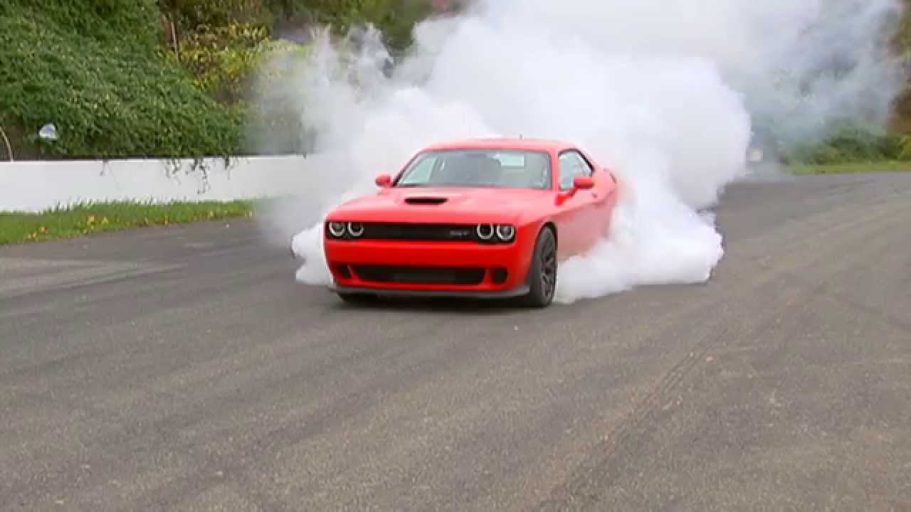 The 100 mph burnout: 2015 Dodge Challenger Hellcat - YouTube