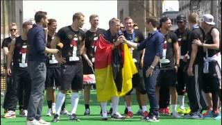 Fifa world cup 2014 final : fußball weltmeister party am brandenburger tor